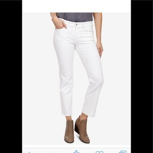 Lucky brand sweet crop jean in pearl.